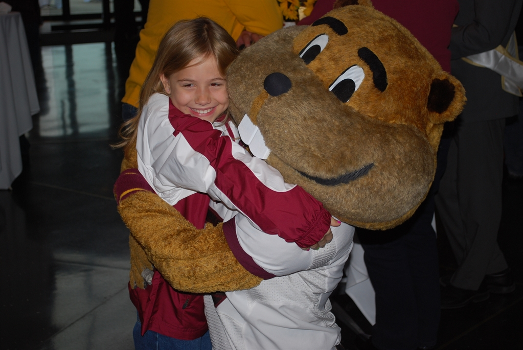 Goldy greets a fan